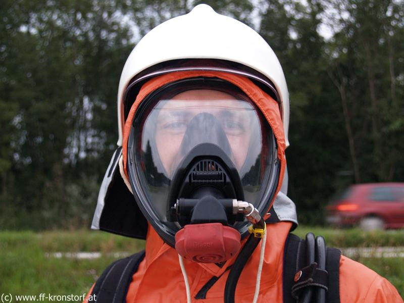 Simulation - Unfall mit Gefahrenguttransporter - Freiwillige ...